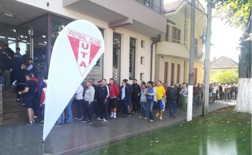 UPDATE! Biletele la UTA - Dinamo s-au vândut ca pâinea caldă, doar abonații clubului mai au rezervate locurile pe stadion