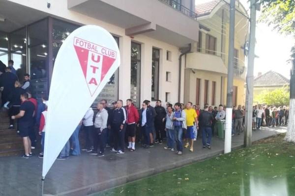 UPDATE! Biletele la UTA – Dinamo s-au vândut ca pâinea caldă, doar abonații clubului mai au rezervate locurile pe stadion