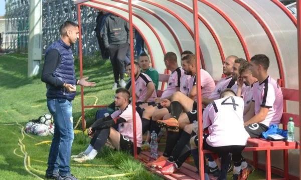 """Gazde ghinioniste, """"Cursă"""" de play-off: CS Beliu - Păulișana Păuliș 2-3"""