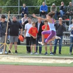 Aproximativ 170 de copii au alergat în memoria profesorilor Indreica și Mărginean: Atleții arădeni au urcat de 13 ori pe podium!
