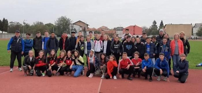 Aproximativ 250 de elevi au alergat la Olimpiada Gimnaziilor și Liceelor