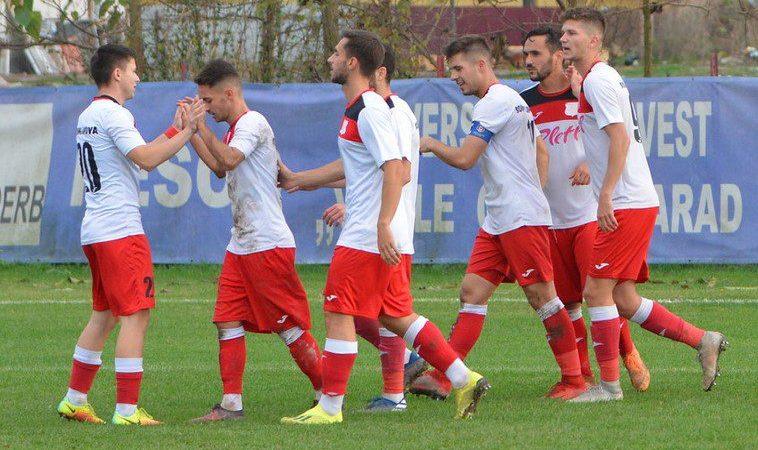 Liga a 3-a (seria a IV-a), etapa a 14-a: Lipova profită de succesul Cermeiului în ultimul derby arădean al turului și urcă pe 2, Hunedoara dă lovitura la Dumbrăvița!