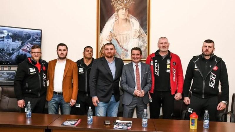 Edi Gafencu debutează în Dynamite Fighting Show chiar la Arad, pe 5 martie! Ciumac se bate și el pe reguli de MMA
