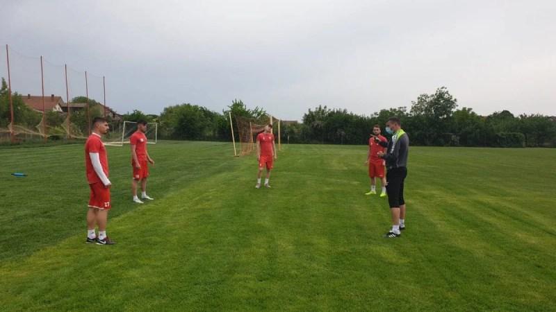"""Împărțiți în șapte grupe, utiștii au demarat pregătirea pentru sprintul spre Liga 1: """"Mai hotărâți ca niciodată să ne îndeplinim obiectivul!"""""""