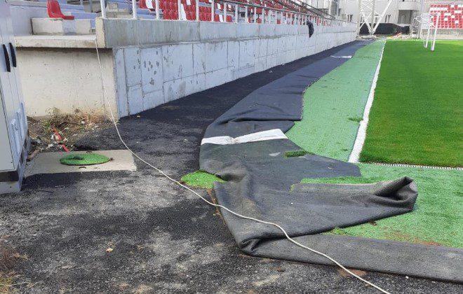 """Probleme și la sistemul de irigare al gazonului de pe """"Francisc Neuman"""": """"Dacă și partea de infrastructură se deteriorează…și nimeni nu comunică cu noi"""" + FOTO"""