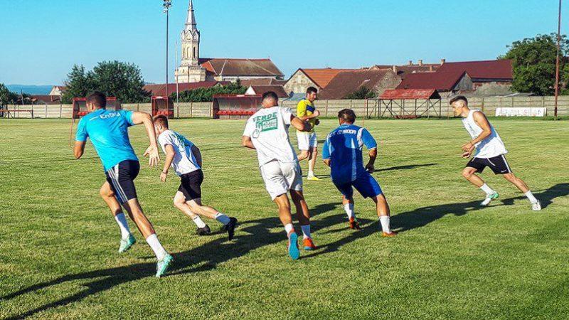 AJF-urile se pot ghida după un nou protocol medical: Ce se decide la Arad în privința Cupei și care vor fi adversarele Zăbraniului la barajul de promovare în Liga 3-a?