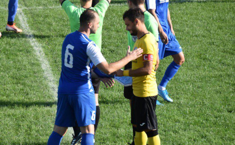 """Crișul are derby de Cupă, cu Lipova, la prima apariție oficială a stagiunii pe teren propriu! Abrudean: """"Maximă seriozitate"""" v.s. Sabău: """"Îmi doresc un meci deschis!"""""""