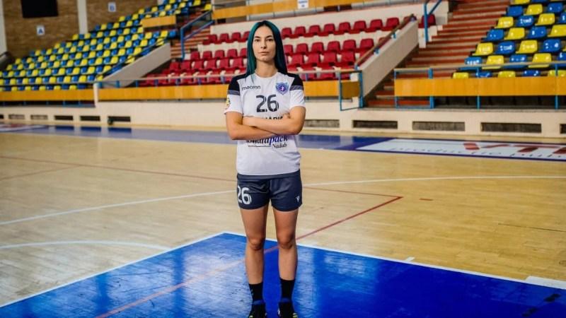 """Mesaj sfâșietor al hadbalistei Roxanei Boldor după ce Crișul rămâne fără echipă în Liga Florilor: """"Azi mi-au luat tot, contra voastră nu știu să joc!"""""""