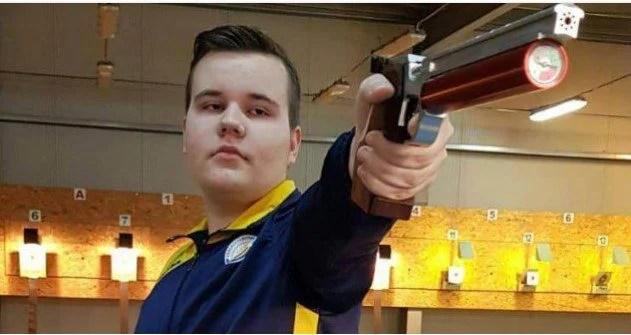La doar 16 ani, pistolarul Luca Joldea a bătut un record naţional al lui Iulian Raicea, vechi de aproape trei decenii!