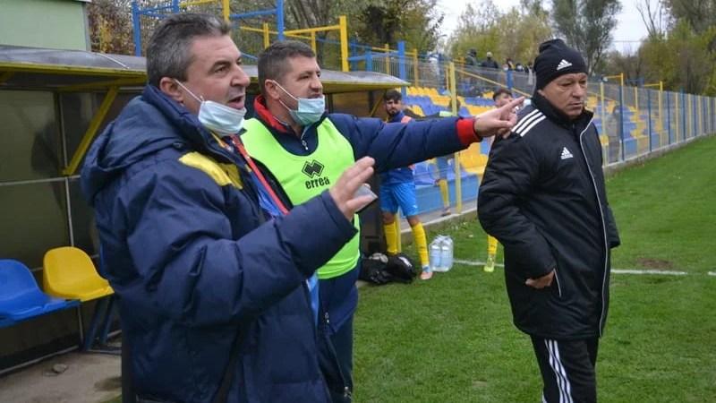 """După două săptămâni de pauză forțată, Pecica a ținut în frâu Crișul și s-a simțit dezavantajată de arbitraj! Stupar: """"Până la urmă, rezultat echitabil"""""""
