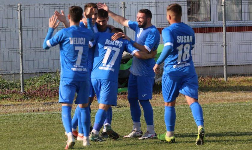 Liga a III-a (seria a 8-a), etapa a 15-a: Crișul și Lipova bat cu același scor înainte de derby, ACS Poli rezistă pe podium