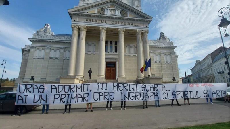 """Suporterii UTA-ei îl taxează pe Bibarț în chestiunea Filarmonicii: """"…Un primar care îngroapă şi sportul şi arta"""""""