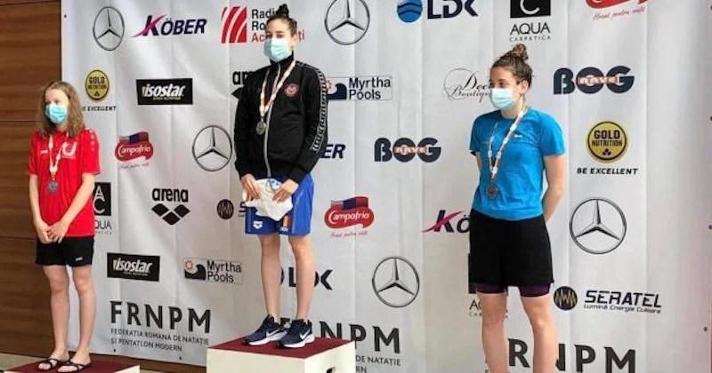 Înotătoarea Andreea Popescu, triplă campioană naţională şi de şase ori medaliată!