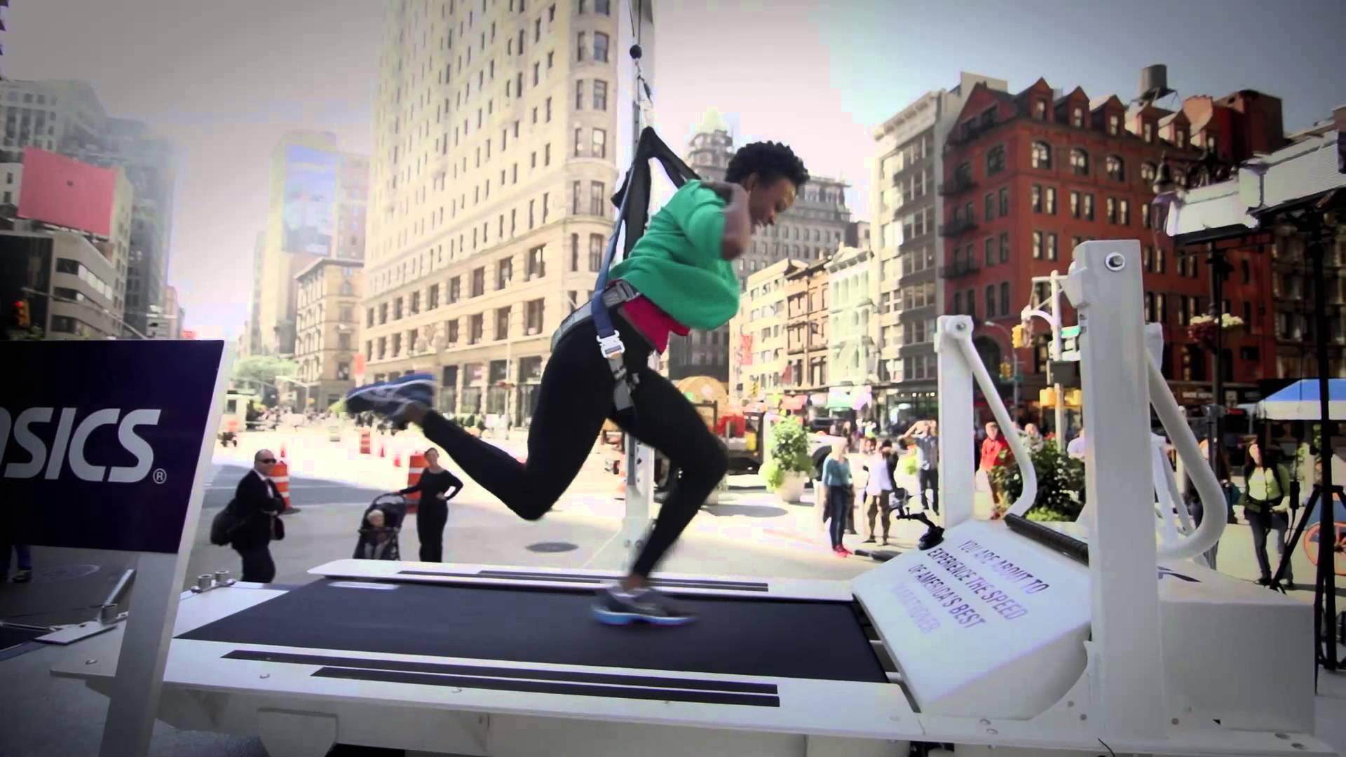 Treadmill Challenge ASICS Vous Plonge Dans La Foule D