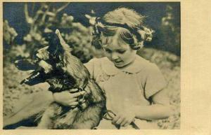 Девочка с бельгийской овчаркой