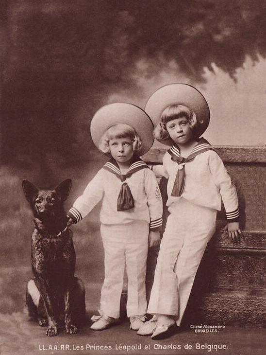 Чарльз и Леопольд, бельгийские принцы, со своим малинуа