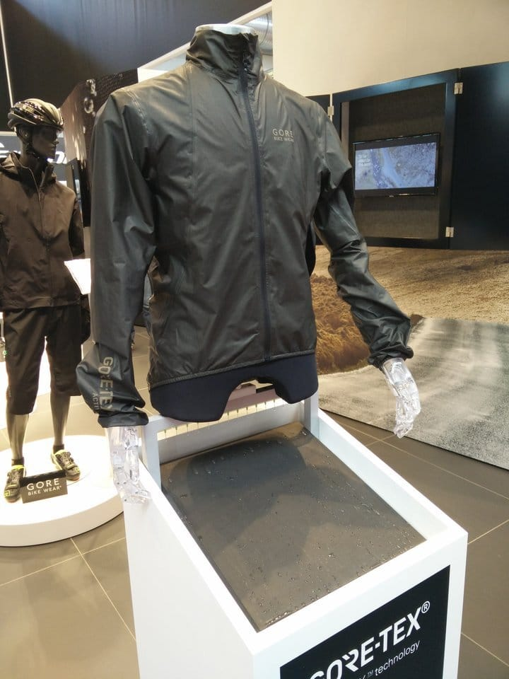 You are currently viewing Eurobike 2016 – Gore erfindet sich mit Shakedry neu