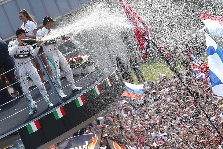 Formel 1 - GP Italien 2014 - Siegesfeier Podest