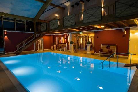 Hotel-Sommer-Hallenbad