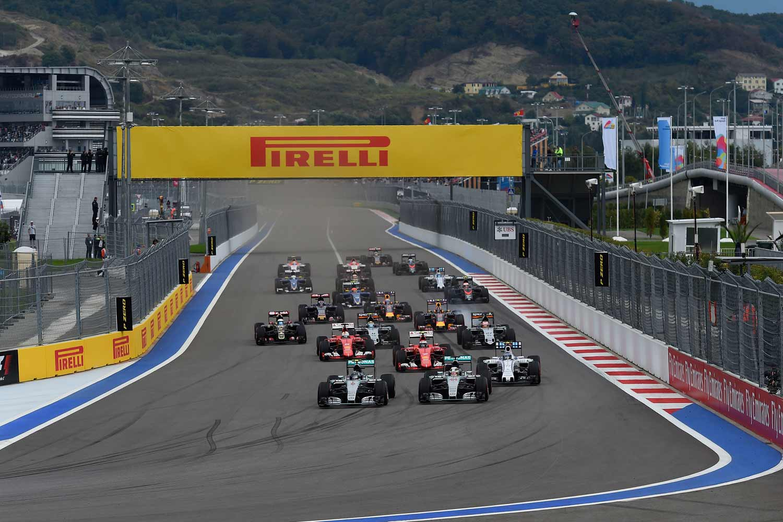 Formel 1, GP von Russland 2015, Start