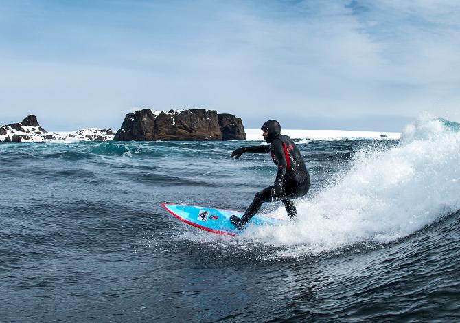 Ramon Navarro, surf in Antartide