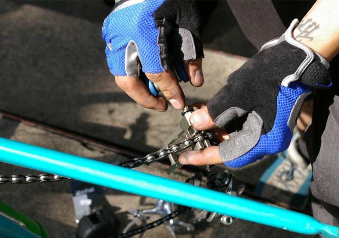 Il kit di sopravvivenza per la bici: l'attrezzatura
