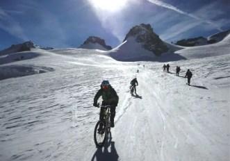 Sì, l'ho fatto davvero. Sono sceso dal Monte Bianco in bici!