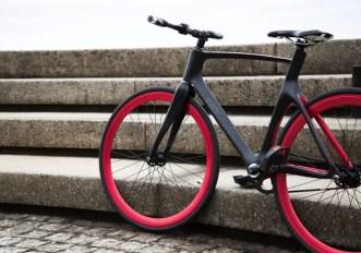 La smart-bike che ti avvisa quando ti stanno venendo addosso