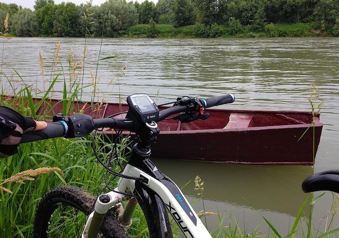 cicloturismo-in-biciletta-sulla-ciclovia-fiume-po-lombardia