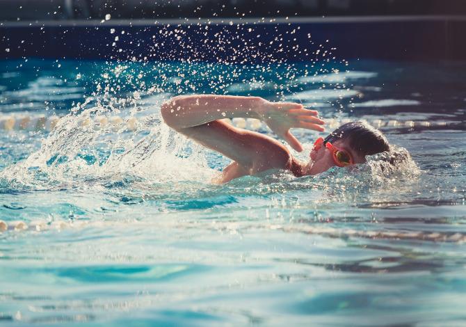 a che età iniziare nuoto