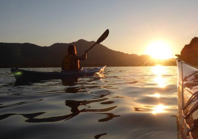 austria-vacanza-lago-kayak