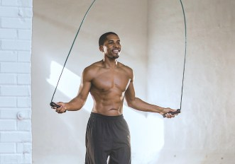 Dimagrire saltando la corda: come perdere peso con gli esercizi giusti