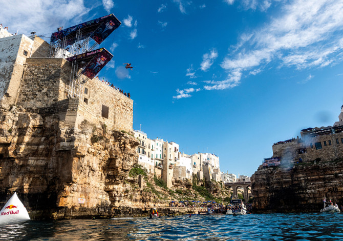 Red Bull Cliff Diving: annullate le World Series 2020, appuntamento al 2021