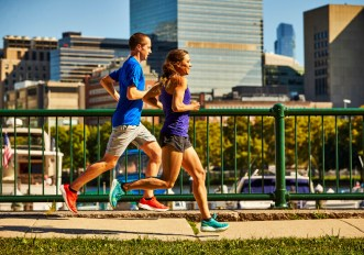 Le scarpe per correre da donna sono diverse da quelle da uomo