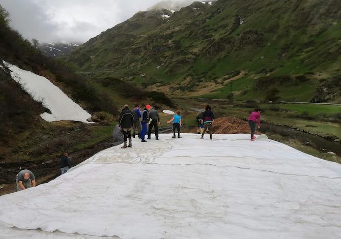 snowfarming-luomo-che-ricicla-la-neve-per-anticipare-a-ottobre-la-stagione-dello-sci