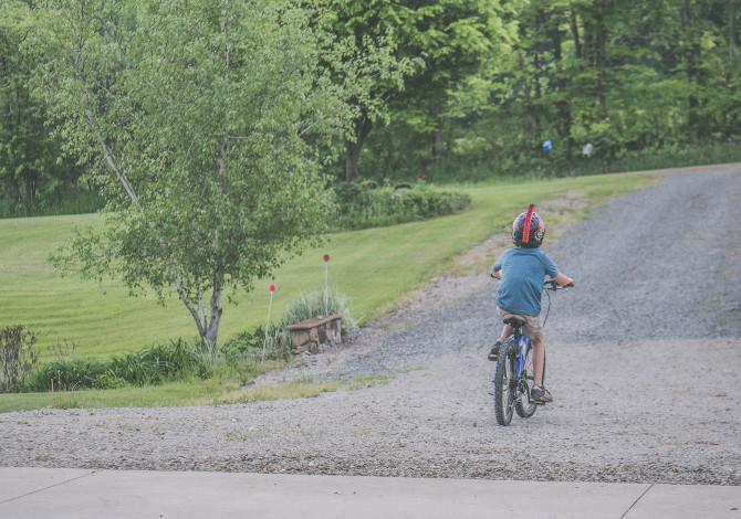 casco in bici obbligatorio fino a 12 anni