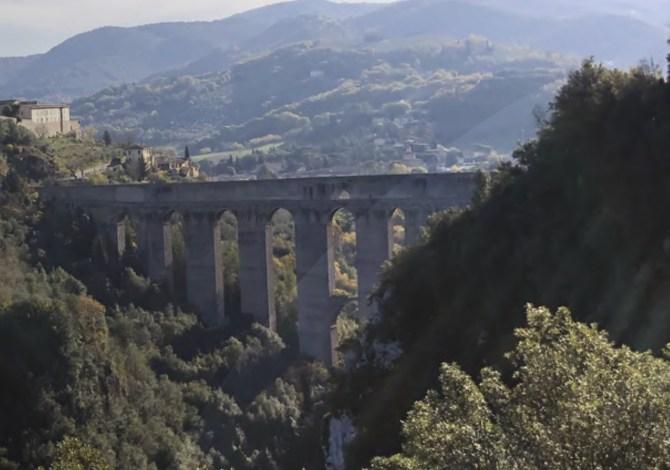 Itinerari in bicicletta sulle ex ferrovie: le Vie Verdi in Italia tutti da scoprire