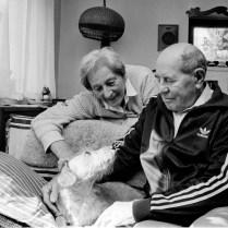 Z·topek, ˙mrtÌ Dnes v noci zem¯el legend·rnÌ atlet Emil Z·topek po dlouhodobÈ nemoci a mozkovÈ p¯ÌhodÏ, kter· ho postihla 30.¯Ìjna. Z·topek byl hospitalizov·n na JIPu neurologie ve VojenskÈ nemocnici ve St¯eöovicÌch. Na archivnÌm snÌmku z roku 1997 s manûelkou Danou / Z·topkovi, Praha, sport
