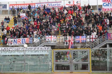 Livorno-Cagliari-Serie-B-2015-16-02