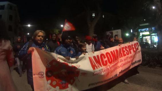 spezzone Ancona Respect 12.12.2015 corteo per Alessio