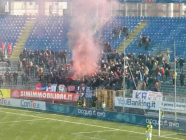 Novara-Crotone-Serie-B-2015-16-03