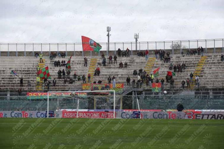 Livorno-Ternana-Serie-B-2015-16-01