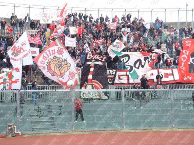 Livorno-Bari-Serie-B-2015-16-09