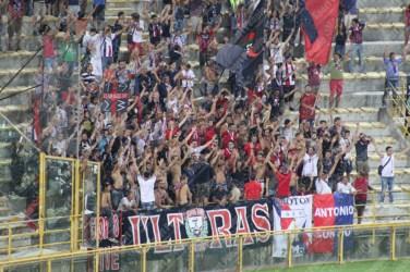 Bologna-Crotone-Serie-A-2016-17-04