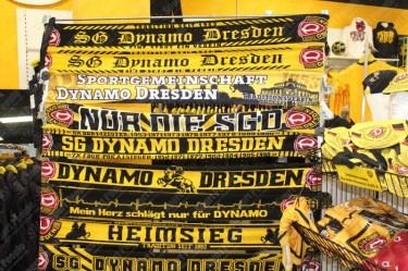 Dynamo-Dresda-Hansa-Rostock-3-Bundesliga-2015-16-08