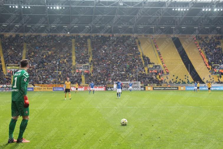 Dynamo-Dresda-Hansa-Rostock-3-Bundesliga-2015-16-34