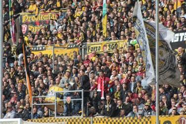 Dynamo-Dresda-Hansa-Rostock-3-Bundesliga-2015-16-39