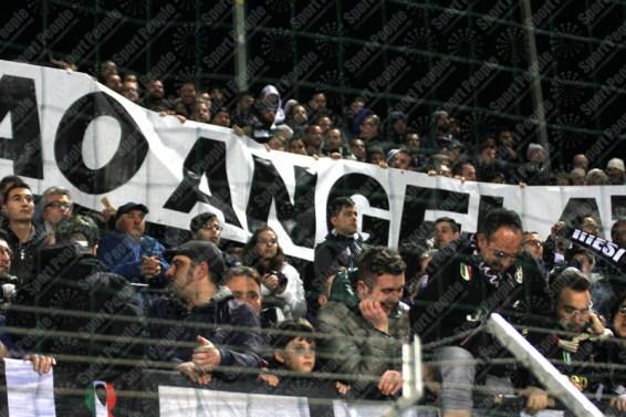 Crotone-Juventus-Serie-A-2016-17-11