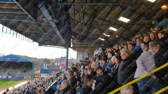 Carlisle-United-Stevenage-League-Two-2016-17-06