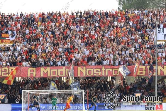 Benevento-Inter-Serie-A-2017-18-Izzo-10